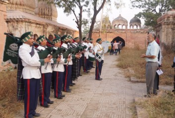 13th Punjab Jind, regiment with a history of 246 years paying homage at the Shahi Samadhan-min
